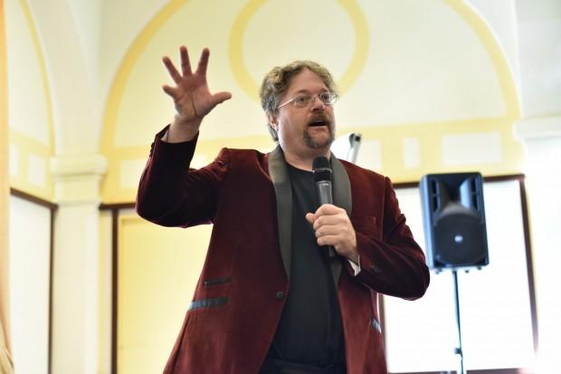 Marcus Ranum während seiner Ansprache (Bild: Joanna Pianka/Deepsec)