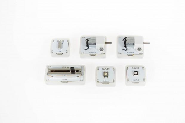 Die kleinen Bausteine sind eigenständige Module (Bild: Martin Wolf/Golem.de)