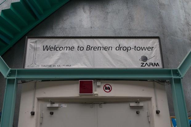 Schwerelos: Der Fallturm in Bremen ... (Foto: Werner Pluta/Golem.de)