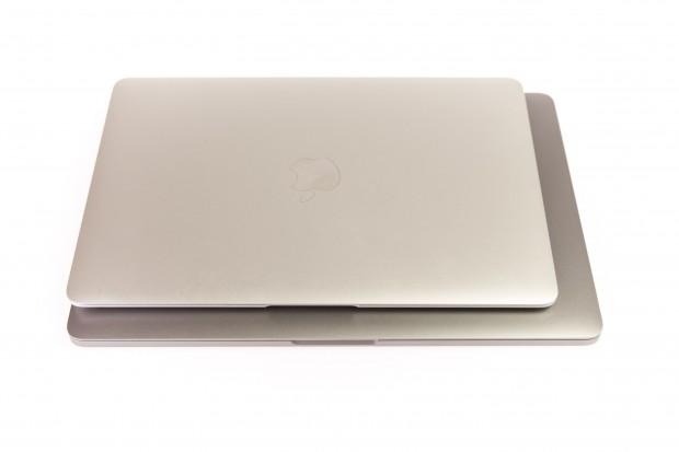 Das Macbook Pro (unten) im Vergleich zum Macbook (Foto: Martin Wolf/Golem.de)