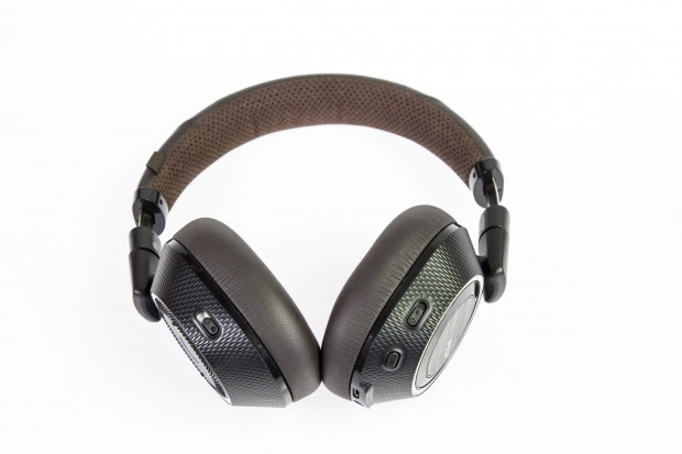 Plantronics Backbeat Pro 2 ist mit 250 Euro eines der günstigeren ANC-Modelle. (Foto: Martin Wolf/Golem.de)