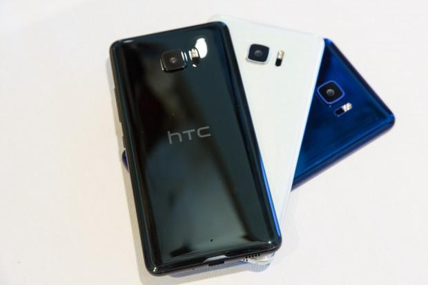 Beide neuen Smartphones arbeiten mit einer künstlichen Intelligenz, die den Nutzer unterstützen soll. (Bild: Martin Wolf/Golem.de)
