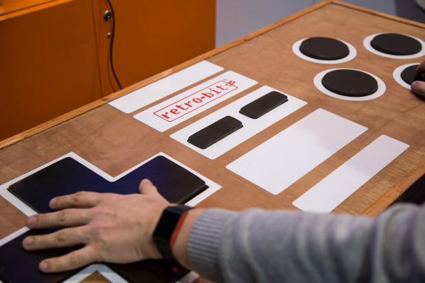Der Mega Table ist ein Tisch und gleichzeitig ein Controller. (Bild: Martin Wolf/Golem.de)