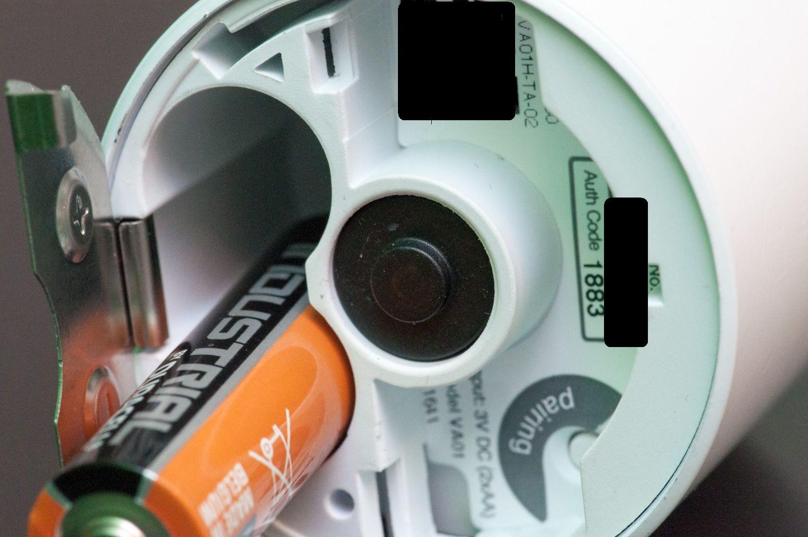 Tado im Test: Heizkörperthermostate mit effizientem Stalker-Modus - In der Mitte ist die eigentliche Heizungskontrolle. Das Laufwerk ist verborgen. (Foto: Andreas Sebayang/Golem.de)