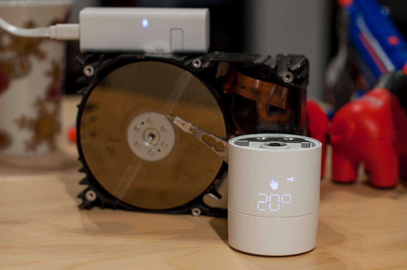 Tado im Test: Heizkörperthermostate mit effizientem Stalker-Modus - Ein kurzer Dreh und das Thermostat zeigt Informationen. (Foto: Andreas Sebayang/Golem.de)