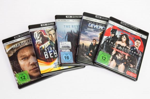 Langweilige Verpackungen gibt es bei der UHD-Blu-ray. Die FSK-Logos lassen sich wegdrehen. (Foto: Martin Wolf/Golem.de)