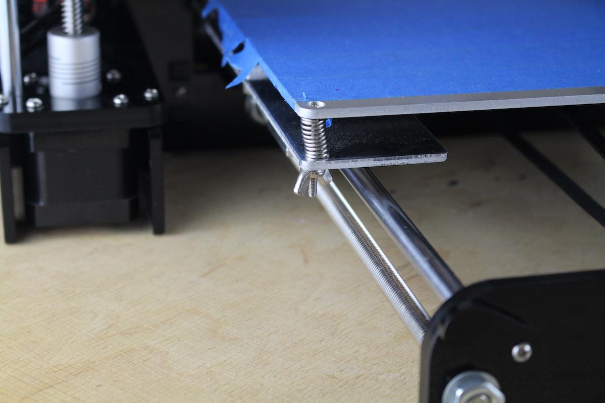 Anet A6 im Test: Wenn ein 3D-Drucker so viel wie seine Teile kostet - Vorsicht: Verletzungsgefahr an diesen Kanten! (Bild: Alexander Merz/Golem.de)