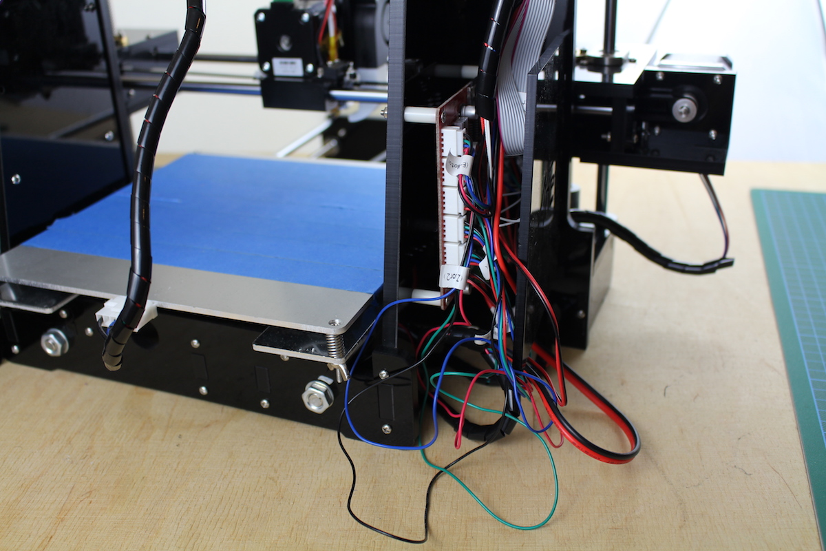 Anet A6 im Test: Wenn ein 3D-Drucker so viel wie seine Teile kostet - ... aber auch damit passt das ganze Kabeldesign nicht. (Bild: Alexander Merz/Golem.de)