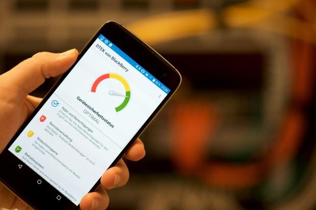 Das DTEK60 mit der DTEK-App (Bild: Andreas Sebayang/Golem.de)