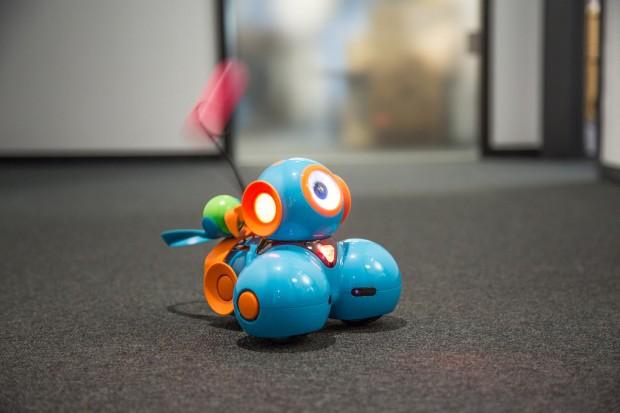 Dash mit Katapult als Büroschreck (Bild: Martin Wolf/Golem.de)