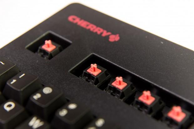 Die mechanischen Schalter sind nach Cherry-Konvention rot eingefärbt. (Bild: Martin Wolf/Golem.de)