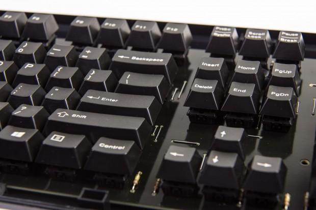 Die hohen Tastenkappen sind typisch für mechanische Tastaturen. (Bild: Martin Wolf/Golem.de)