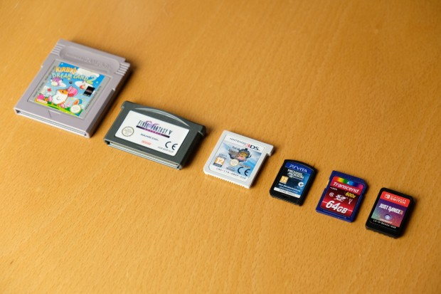 Spielmodule vom Gameboy, Gameboy Advance, Nintendo 3DS, PS Vita, SD-Karte, Switch (Foto: Michael Wieczorek/Golem.de)
