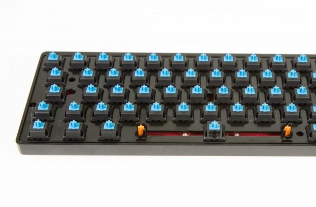 Unser Modell kommt mit Cherry-MX-Blue-Switches - der Hersteller bietet bis auf die White-Schalter allerdings auch alle anderen Cherry-MX-Switches an. (Bild: Martin Wolf/Golem.de)