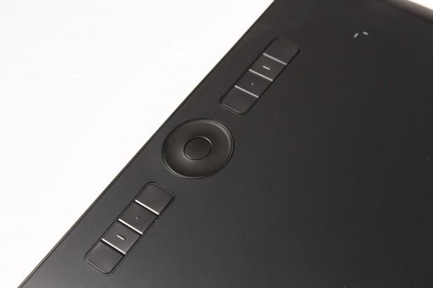 Die Wacom-klassische Expresskeysleiste mit Touch-Ring ist komplett individuell einstellbar. (Bild: Martin Wolf/Golem.de)