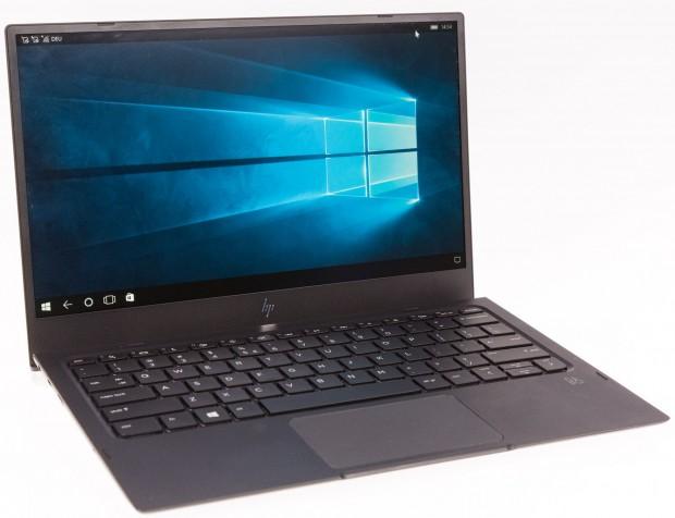 Das Lapdock sieht äußerlich aus wie ein Windows-10-Notebook. (Bild: Martin Wolf/Golem.de)