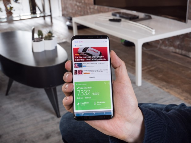 Das Galaxy S8 und das Galaxy S8+ kommen mit Samsungs neuem digitalen Assistenten Bixby; hier die Übersichtsseite. (Bild: Martin Wolf/Golem.de)