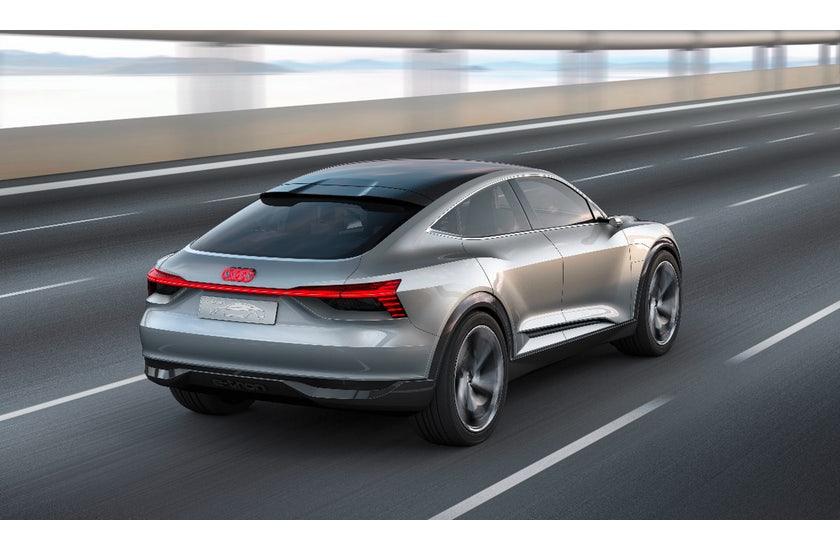 Sportback Concept: Audis zweiter E-tron ist ein Sportwagen - Audi E-tron Sportback Concept (Bild: Audi)