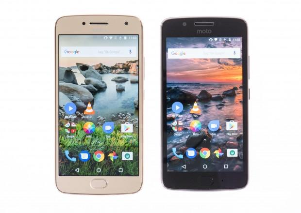 links das Moto G5 Plus und rechts das Moto G5 (Bild: Martin Wolf/Golem.de)