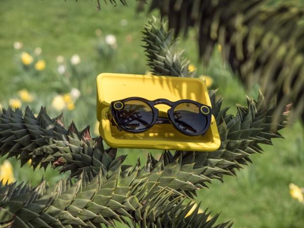Die Spectacles können aktuell nur in den USA bestellt werden. Nutzer aus Deutschland müssen die Brille über einen Versandimporteur bestellen. (Bild: Martin Wolf/Golem.de)