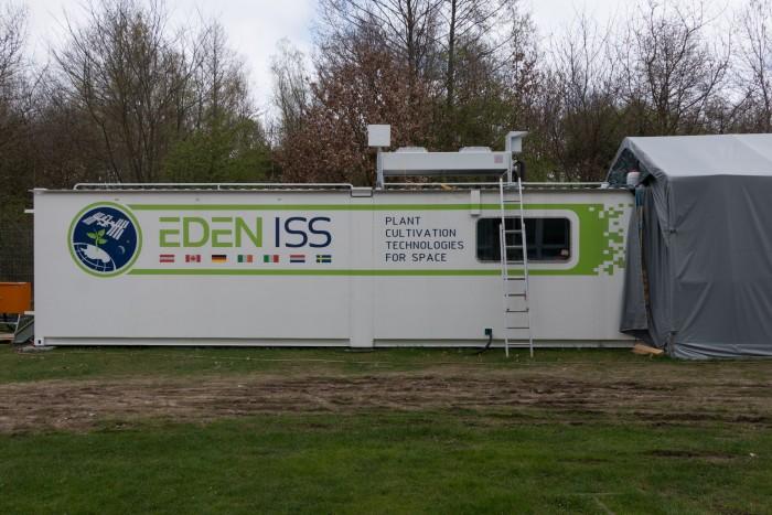Gemüse für die Antarktis und die ISS. Die Gewächshaus-Container beim DLR in Bremen (Foto: Werner Pluta/Golem.de)