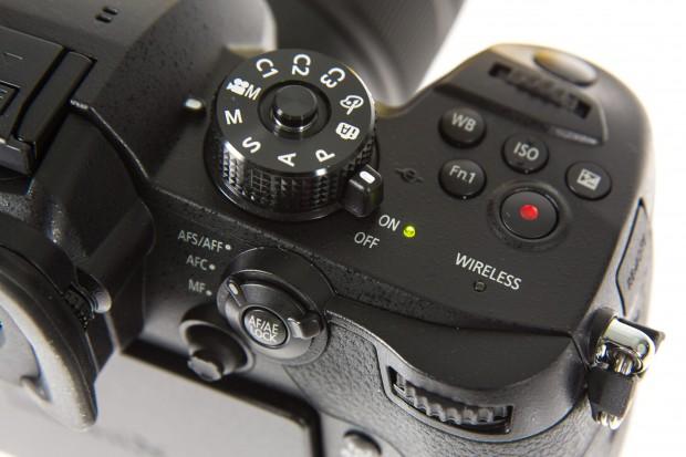 Das Moduswahlrad kann auf Knopfdruck arretiert werden. (Foto: Martin Wolf/Golem.de)