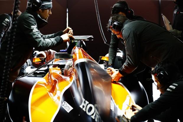 McLaren bei den Testfahrern Anfang März 2017: Das Team setzt auf 3D-Druck. (Foto: McLaren Racing)