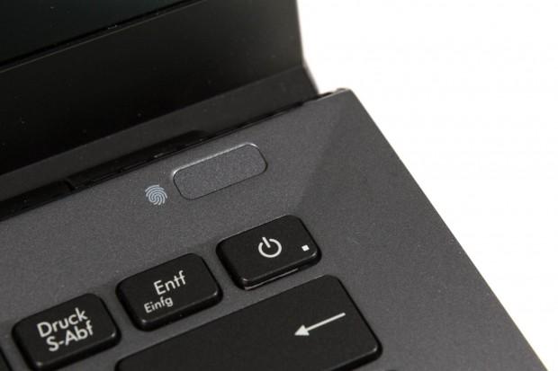 Der Power-Knopf ist im Tastaturlayout integriert. (Bild: Martin Wolf/Golem.de)