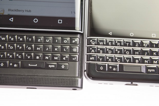 Links die Priv-Tastatur, rechts die Keyone-Tastatur - das Layout ist gleich. (Bild: Martin Wolf/Golem.de)
