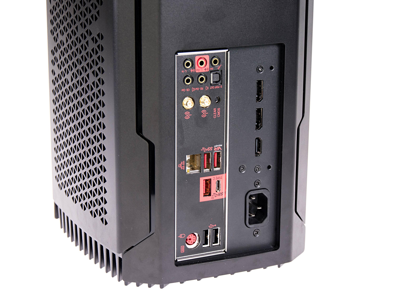 Komplett-PC Corsair One Pro im Test: Kompakt, kräftig, kühl - Das System weist zwei USB-3.1-Gen2-Ports auf. (Foto: Martin Wolf/Golem.de)