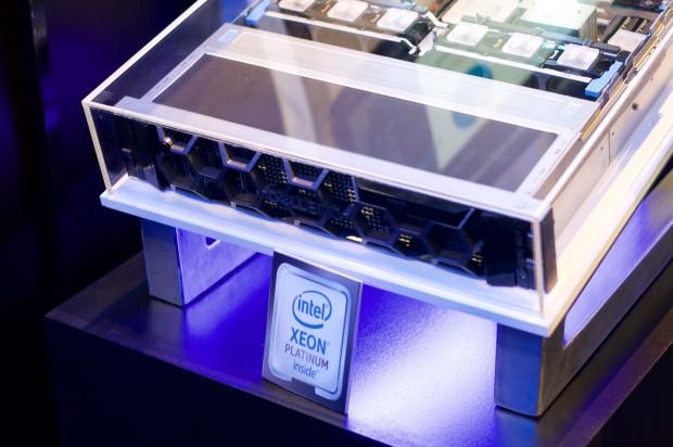Dell EMCs Server werden mit den neuen Edelmetal-Xeons bestückt. (Foto: Andreas Sebayang/Golem.de)