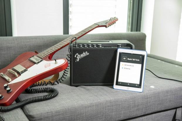 Der Mustang GT-40 lässt sich dank eingebautem WLAN und Bluetooth mit einem Smartphone oder Tablet verbinden. (Bild: Martin Wolf/Golem.de)