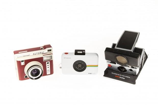 Links der Lomo Instant Automat, in der Mitte die Polaroid Snap Touch, rechts die Polaroid SX-70 (Bild: Martin Wolf/Golem.de)