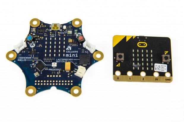 Calliope Mini und BBC Micro Bit im Vergleich (Bild: Martin Wolf/Golem.de)