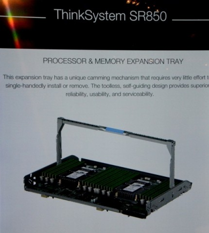 Thinksystem SR850 (Bild: Lenovo/Screenshot: Nico Ernst)
