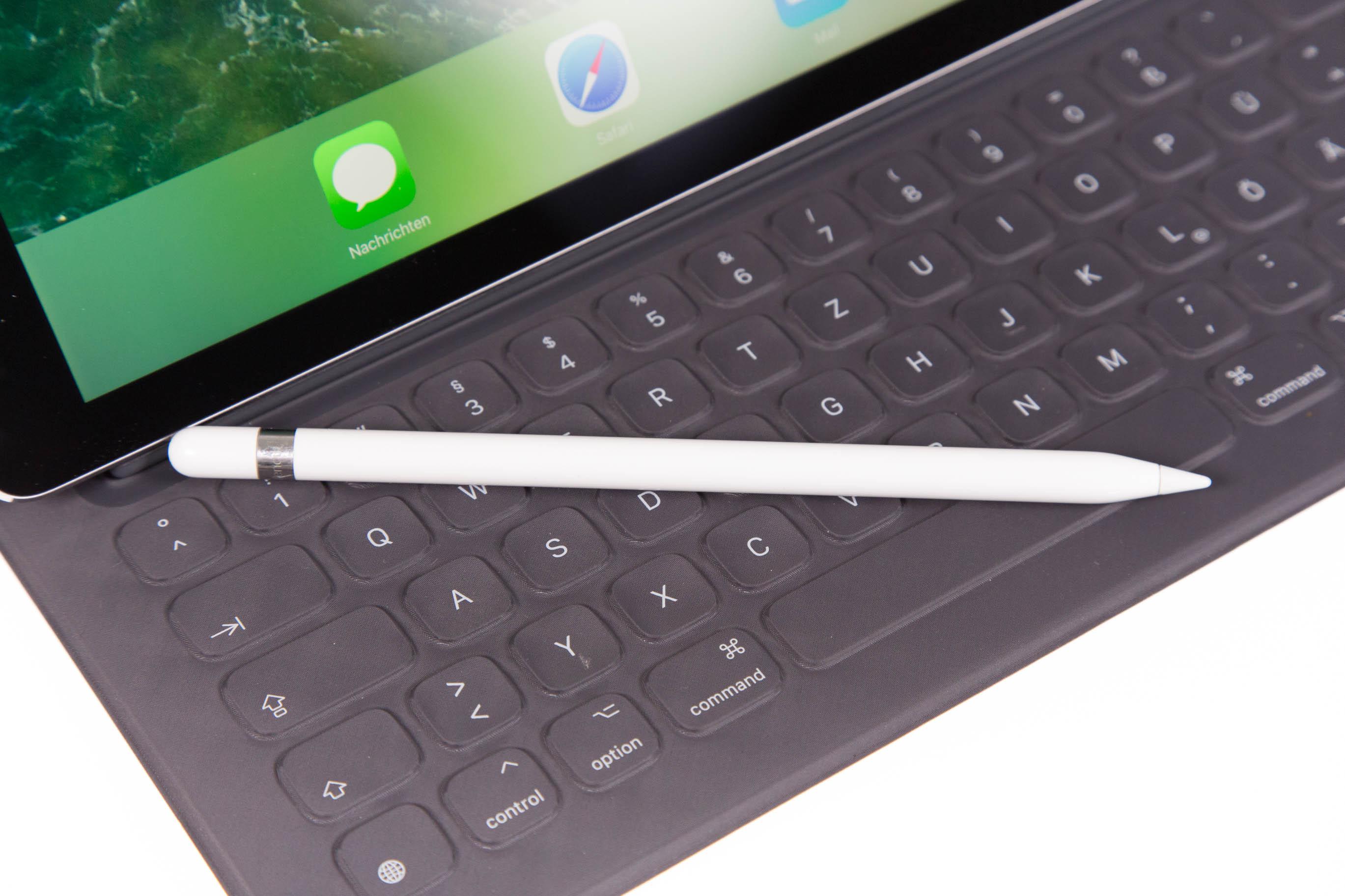 Neues iPad Pro im Test: Von der Hardware her ein Laptop - Der Apple Pencil ist der der ersten iPad-Pro-Generation. (Bild: Martin Wolf/Golem.de)