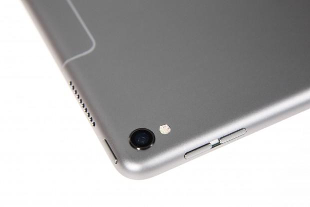 Die Kamera ist die des iPhone 7 und hat 12 Megapixel. (Bild: Martin Wolf/Golem.de)