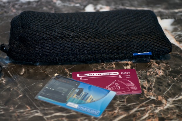 Die Tasche schützt den Akku und die Gerätschaften vor Kratzern. (Foto: Andreas Sebayang/Golem.de)