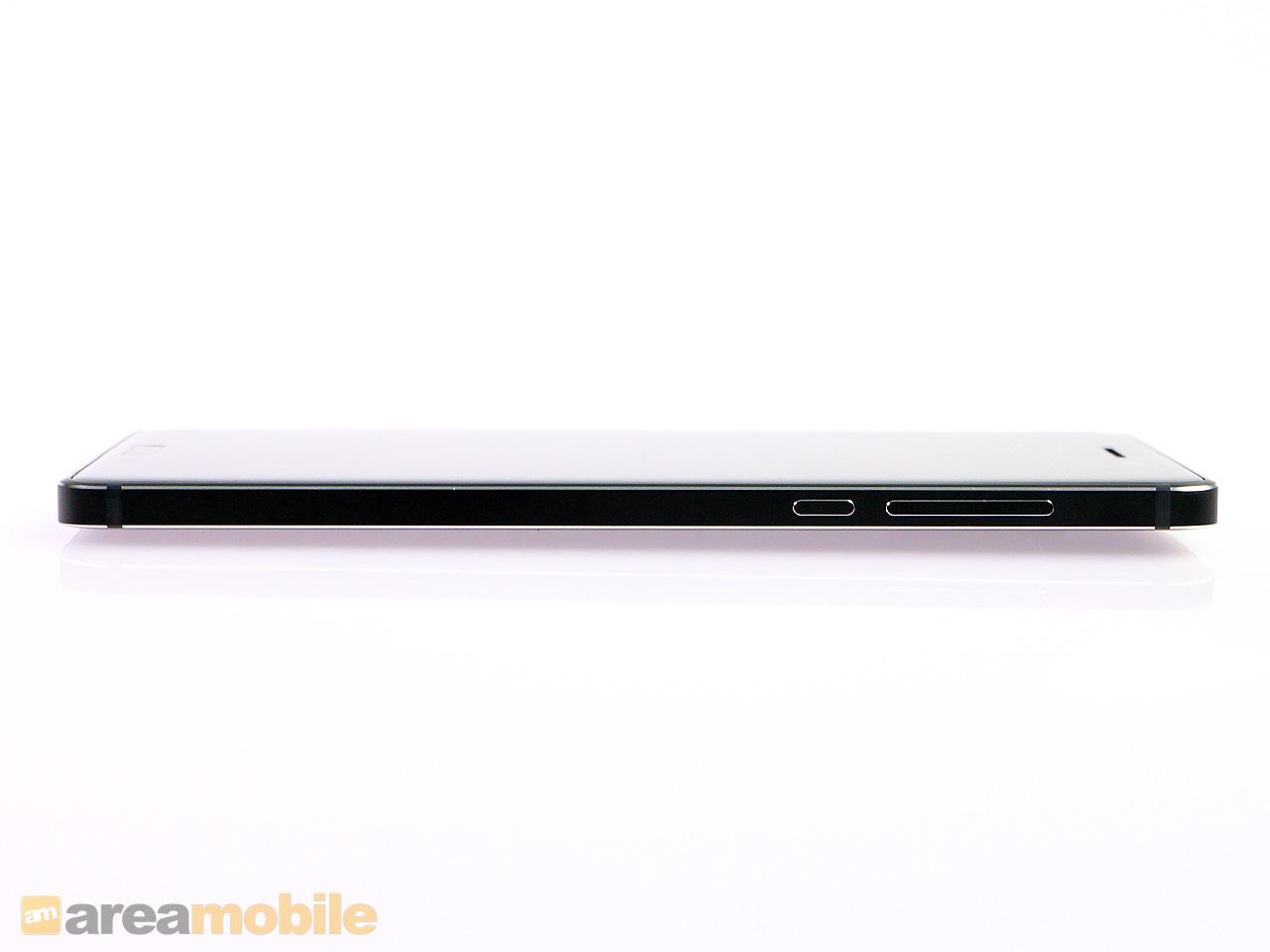 Nokia 6 im Test: Android-Smartphone mit Nokia-Nimbus - Das Smartphone ist 8 mm dick. (Bild: Areamobile)