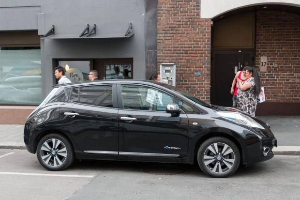 Nissan Leaf in Oslo: Norwegen hat den höchsten Anteil an Elektro- und Plugin-Fahrzeugen weltweit. (Foto: Werner Pluta/Golem.de)