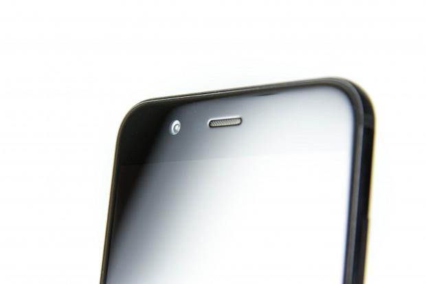 Die Frontkamera hat 20 Megapixel. (Bild: Martin Wolf/Golem.de)