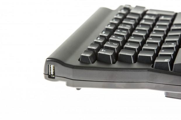 Das rechte Modul hat insgesamt drei USB-Anschlüsse, an die Peripheriegeräte angeschlossen werden können. (Bild: Martin Wolf/Golem.de)