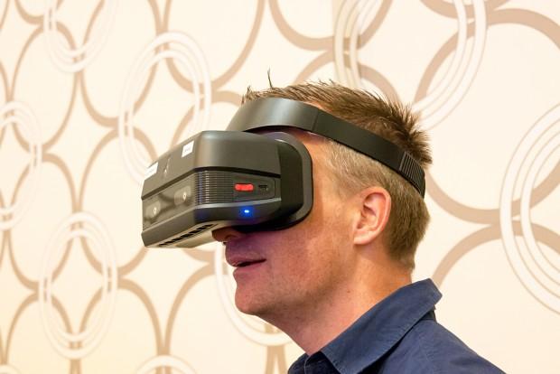 SD835-VR-Headset (Foto: Marc Sauter/Golem.de)
