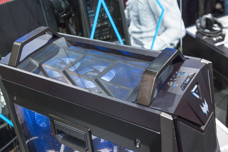 Acer Predator Orion 9000: 18 Kerne und vier RX-Vega-64-Karten reichen für Crysis -