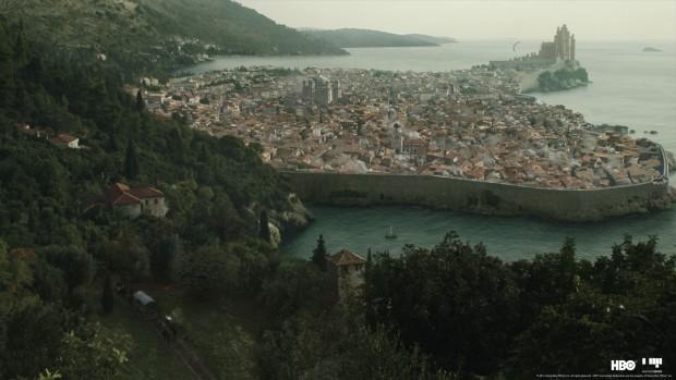 ... oder die Hauptstadt Königsmund mit dem Roten Bergfried. (Bild: HBO/Mackevision)