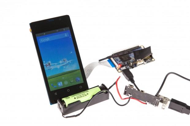 Sobald der Rechner mit Strom versorgt wird, startet Android. (Bild: Martin Wolf/Golem.de)