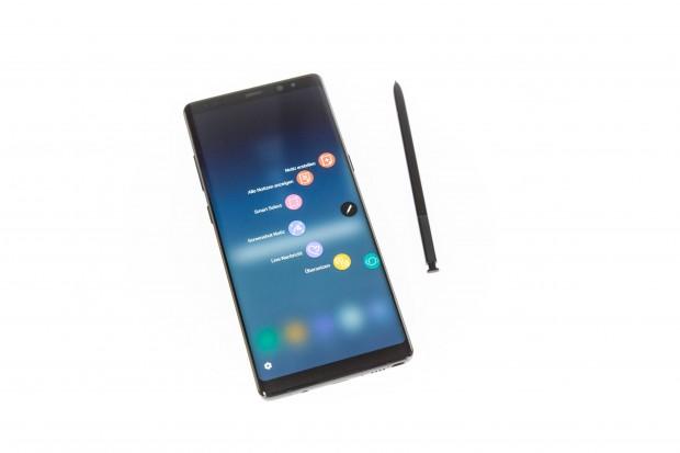 Das Galaxy Note 8 hat wieder einen Stift eingebaut. (Bild: Martin Wolf/Golem.de)