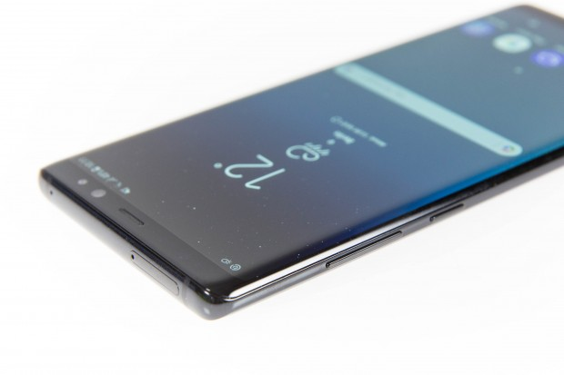 Die Verarbeitung des Galaxy Note 8 ist sehr hochwertig. (Bild: Martin Wolf/Golem.de)