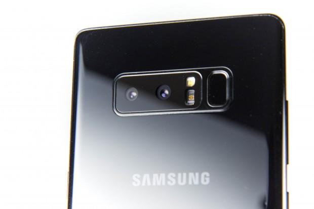 Erstmals hat Samsung eine Dual-Kamera eingebaut, die sehr gute Fotos macht. (Bild: Martin Wolf/Golem.de)