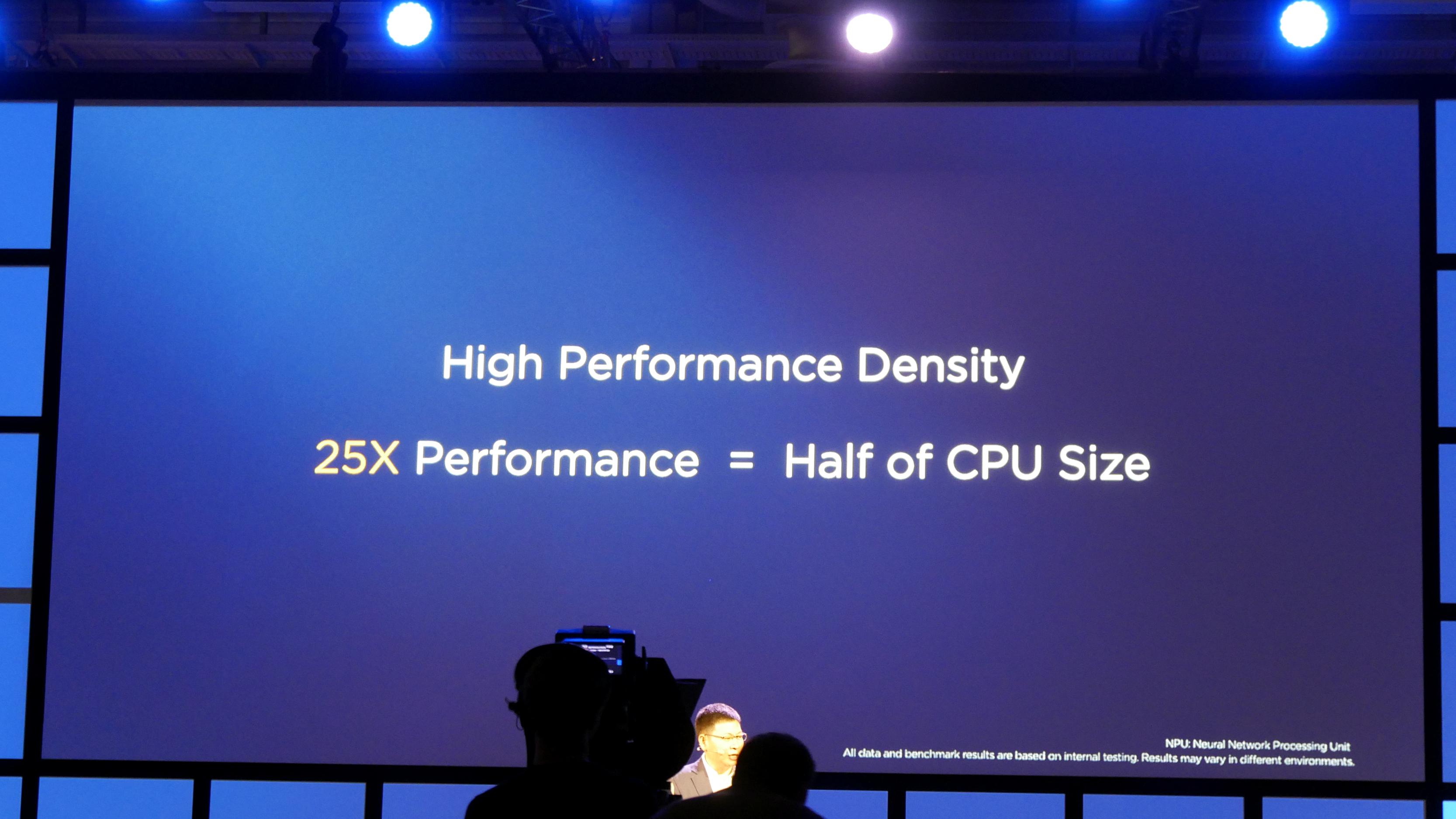 Kirin 970: Huawei-Chip hat AI-Hardware und schnellstes LTE - Die entsprechende Hardware braucht wenig Platz. (Foto: Marc Sauter/Golem.de)